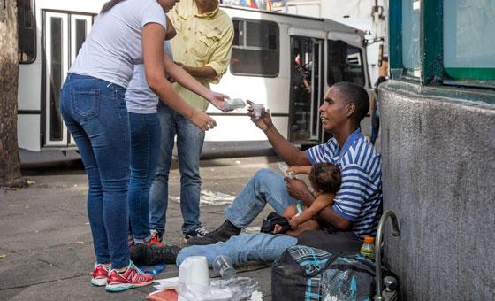 ONG Regala Una Sonrisa: Más de 5.000 personas viven en las calles caraqueñas