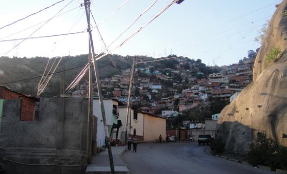 ¿La cárcel o la tumba?: cuestionando las alternativas de los jóvenes varones de las zonas populares de Caracas