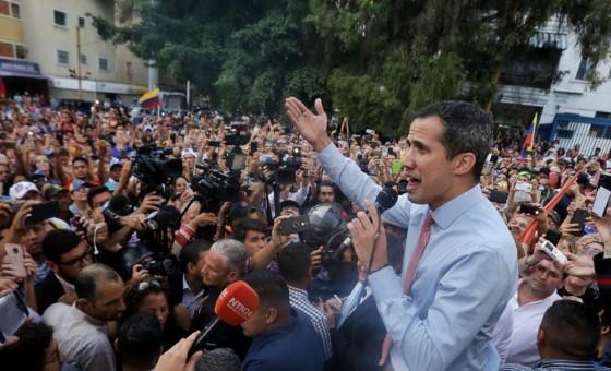 """Juan Guaidó llama a protestar contra quienes """"nos llevaron a la miseria"""""""