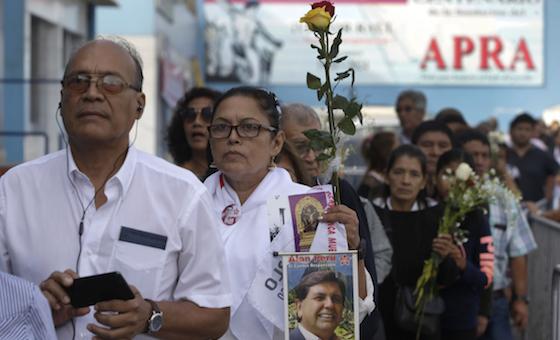 Familia dice que Alan García dejó carta antes de suicidarse