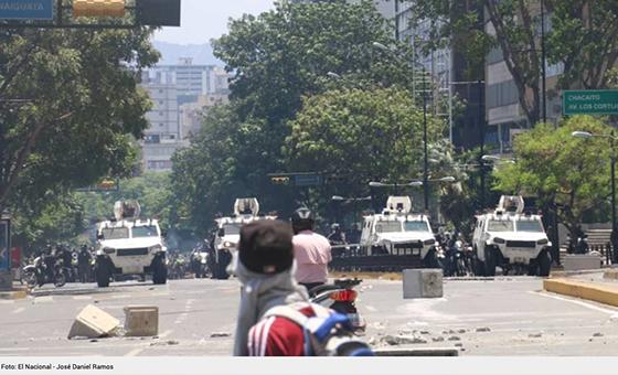 Tres heridos de bala dejó represión en Guarenas y Guatire el #30Abr