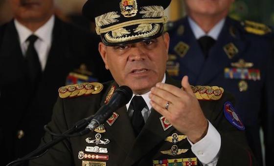 Cristopher Figuera a Padrino López: ¿Usted realmente se siente leal a la patria?