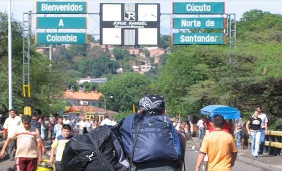 Continúan los obstáculos en paso fronterizo con Colombia