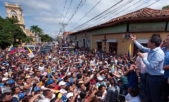 """Guaidó pidió protestar para """"que el régimen no pueda ocultar la tragedia"""" a Bachelet"""