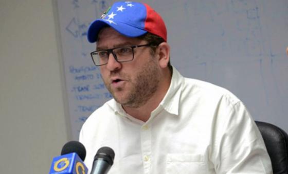 Marcano insta a 11 países a reconocer pasaportes vencidos de venezolanos