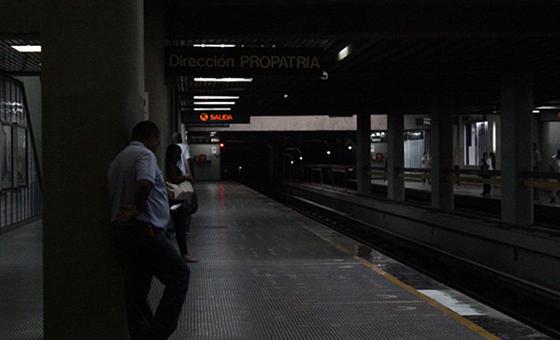 """""""Intentamos usar el teléfono de emergencia que está en el andén del Metro, pero no tenía tono"""""""