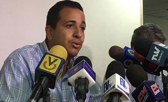 Mauro Zambrano denuncia que familiares de Rubén González son perseguidos por el Sebin y la Dgcim