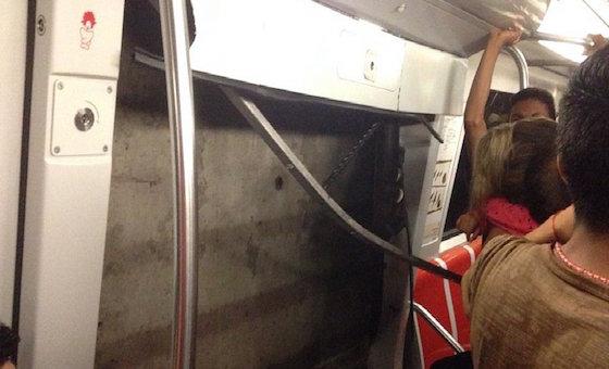 Tren del Metro de Caracas se descarrilla en la estación Los Dos Caminos