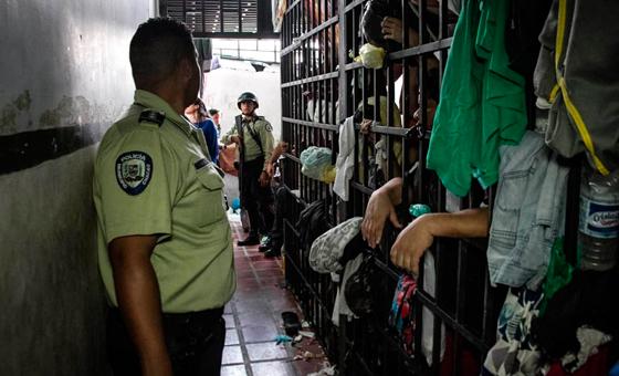 Los centros de detención son las nuevas cárceles donde se cobra, tortura y mata