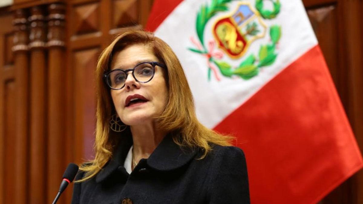 Mercedes Aráoz renunció a la presidencia interina de Perú