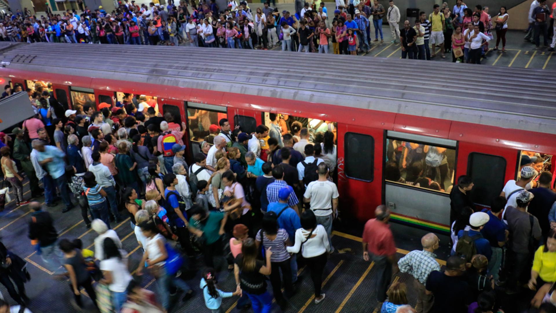 Metro de Caracas registra fallas hasta los fines de semana
