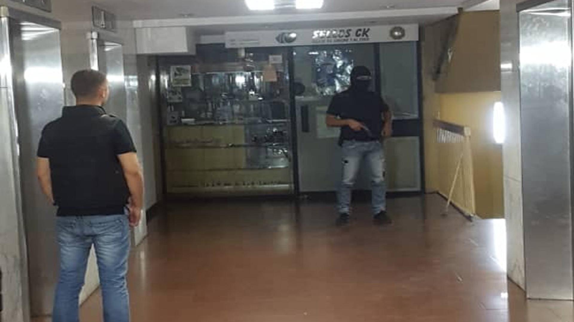 Grupo armado irrumpió en sede de Voluntad Popular, amedrentó a 30 personas y robó equipos