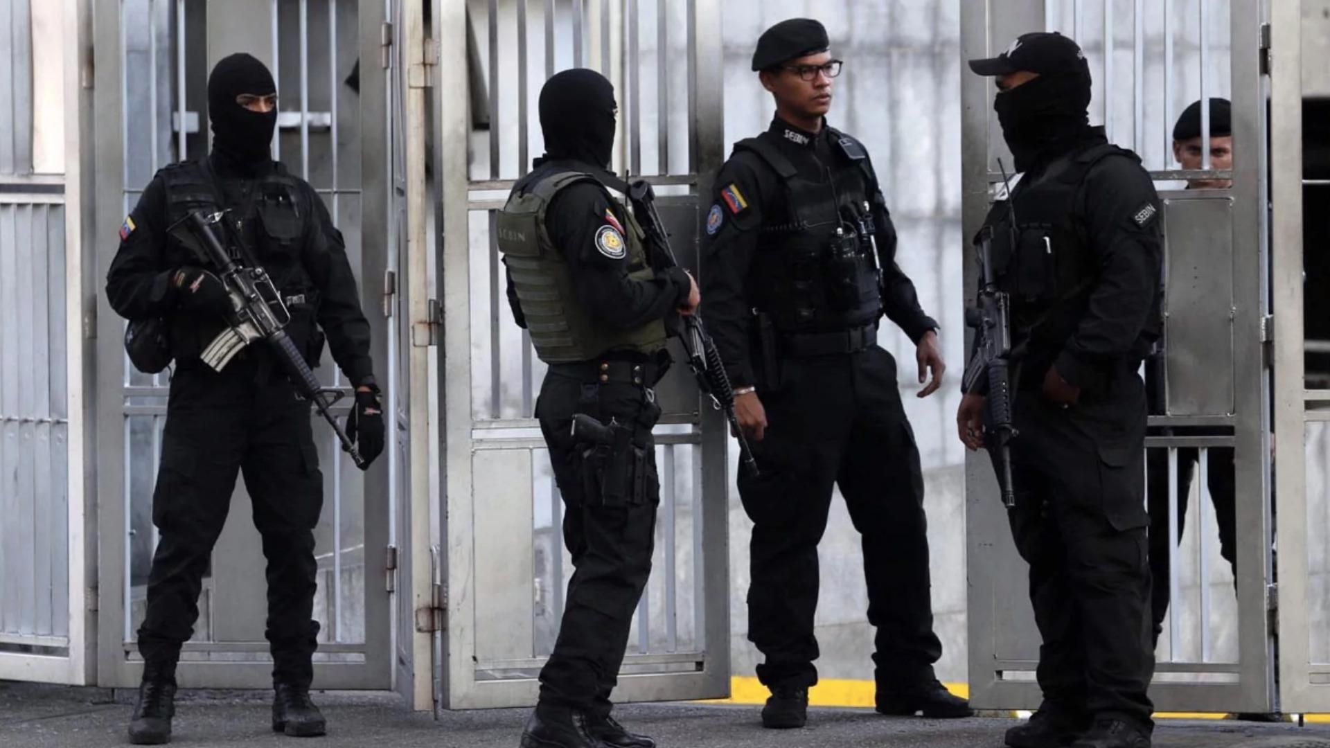 Denuncian en redes sociales la supuesta detención del coronel Yover Andrade