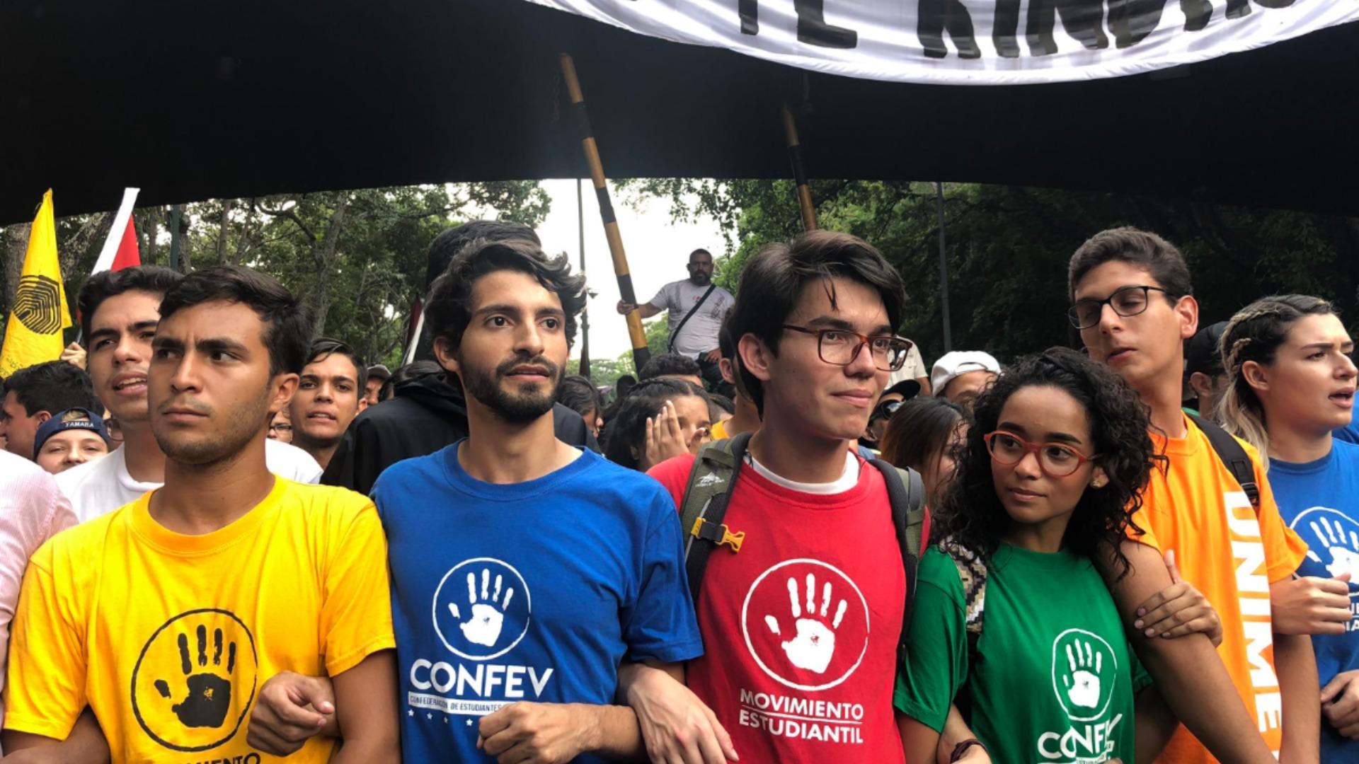 Movimiento Estudiantil entrega documento a la FANB en Fuerte Tiuna este #21Nov
