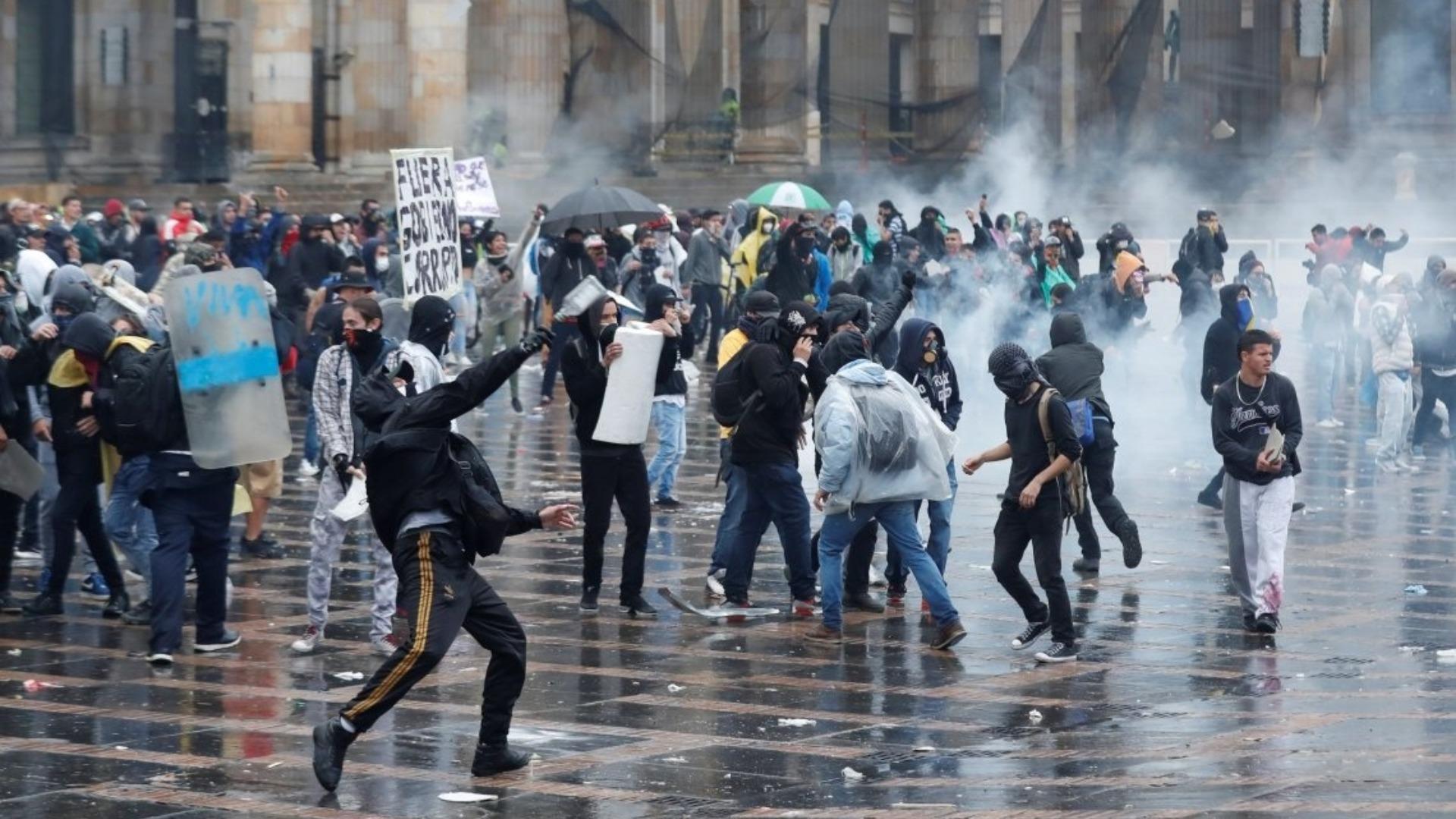 Expulsados de Colombia 59 venezolanos por actos vandálicos en Bogotá