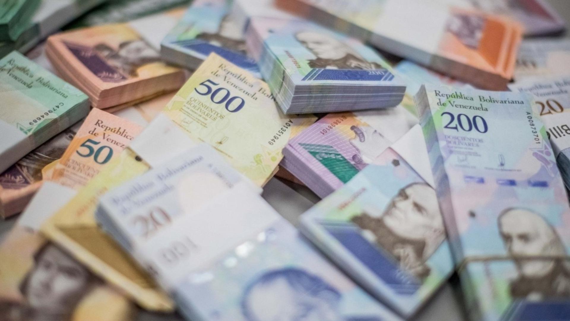 Luis Oliveros asegura que el régimen debe hacer una nueva reconversión monetaria