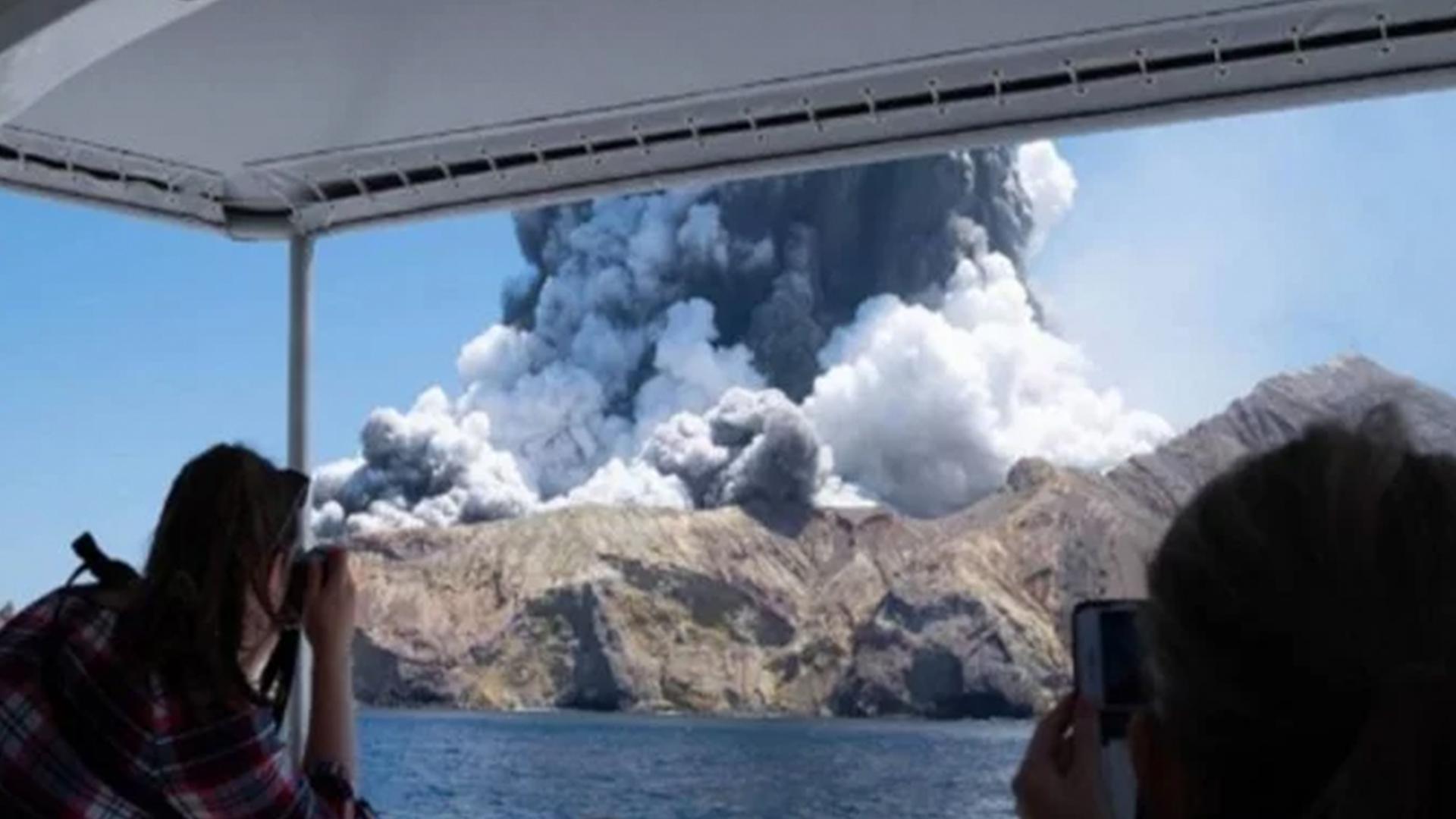 Cinco muertos y 23 heridos por erupción de un volcán en Nueva Zelanda