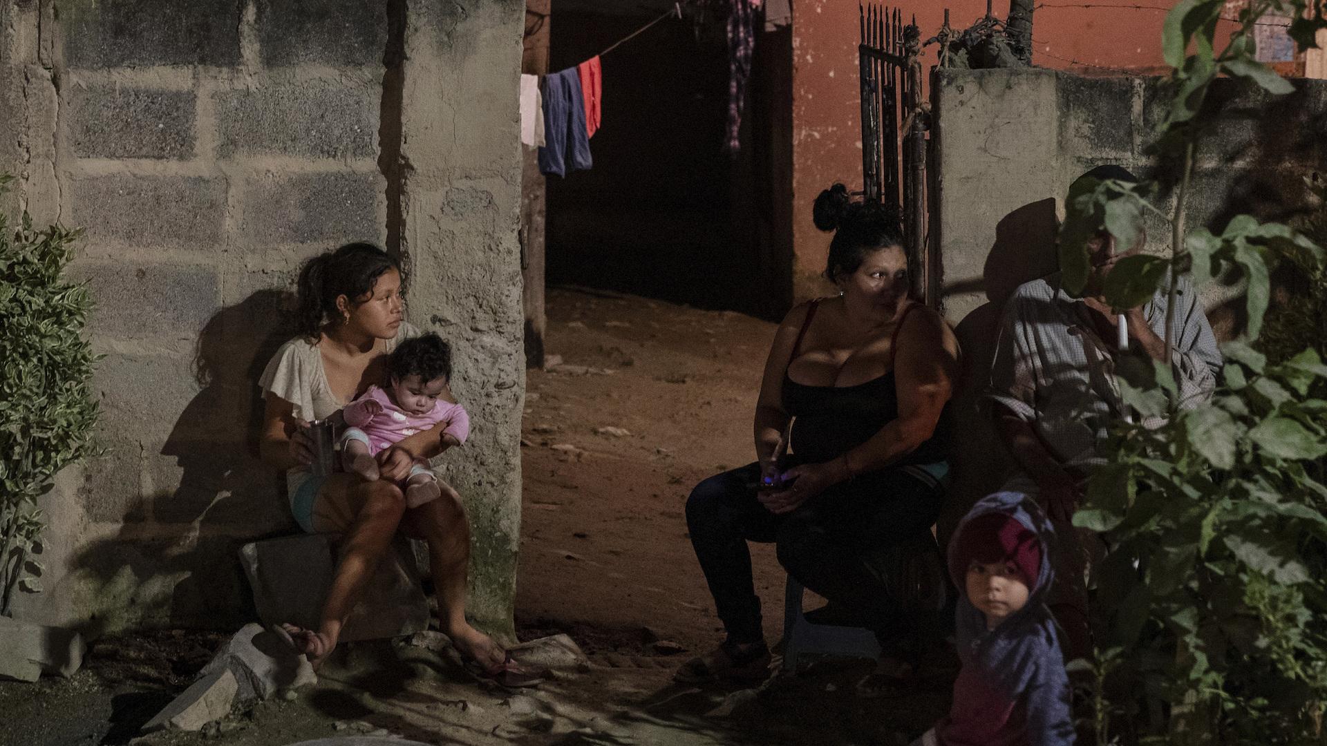 Políticas de EE UU causan penurias a solicitantes de asilo