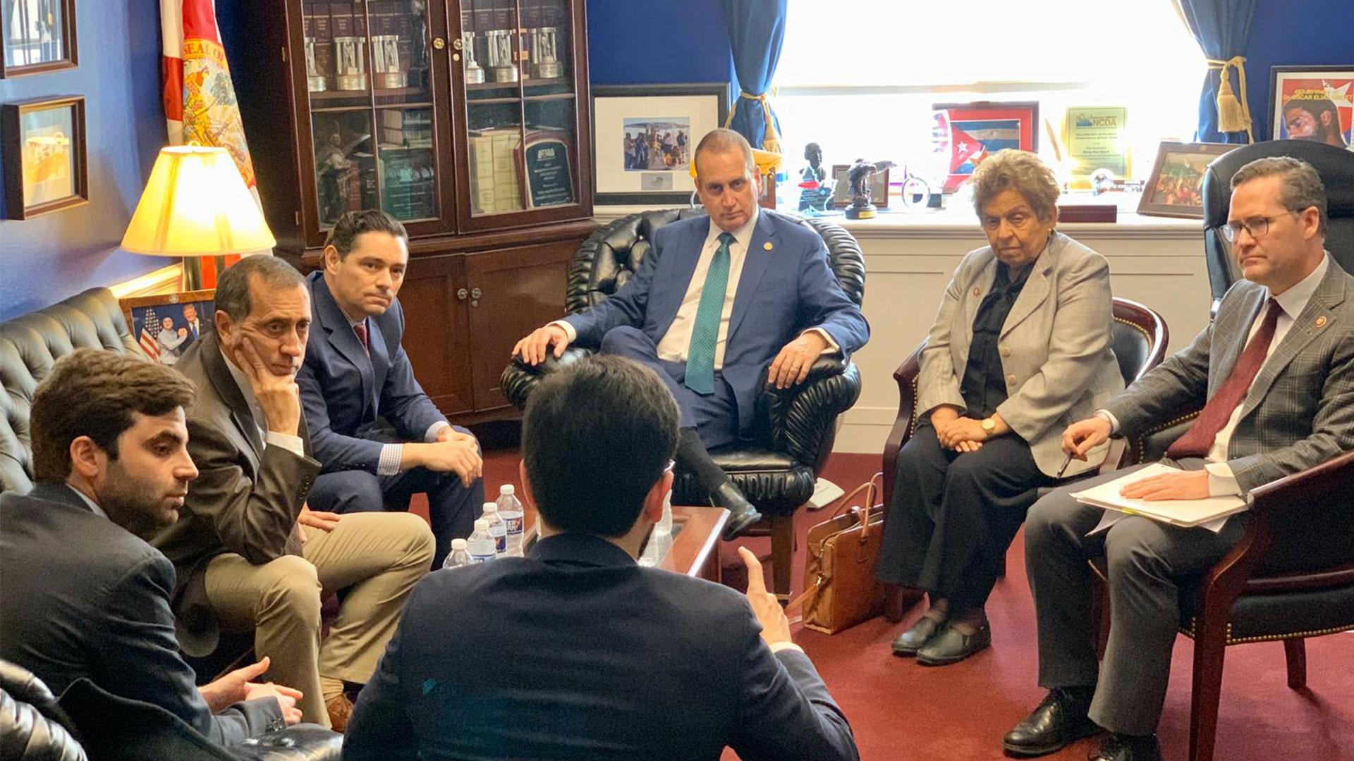 Embajada venezolana en EE.UU. y parlamentarios de AN sostuvieron encuentro con Congreso estadounidense