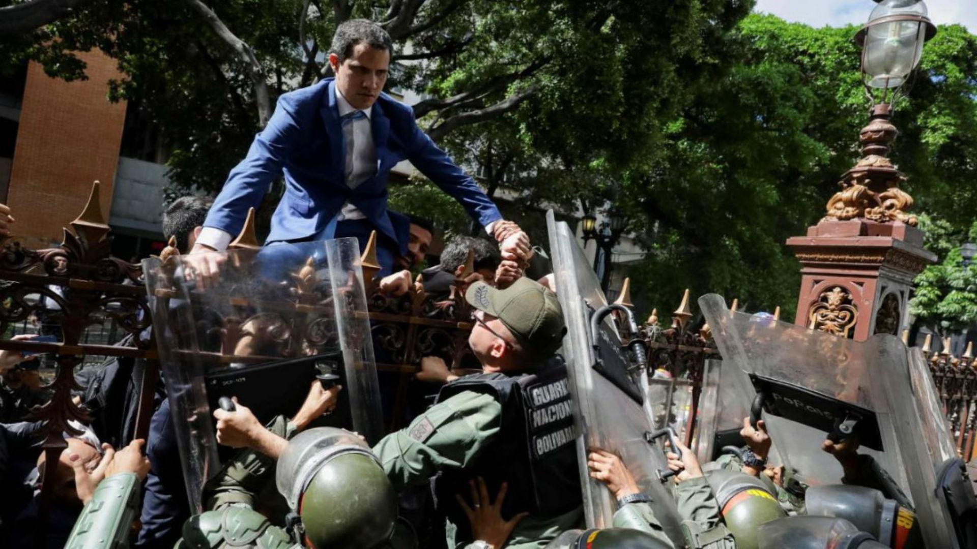 Guaidó exige a Padrino López explicar la actuación de la FANB el #5Ene