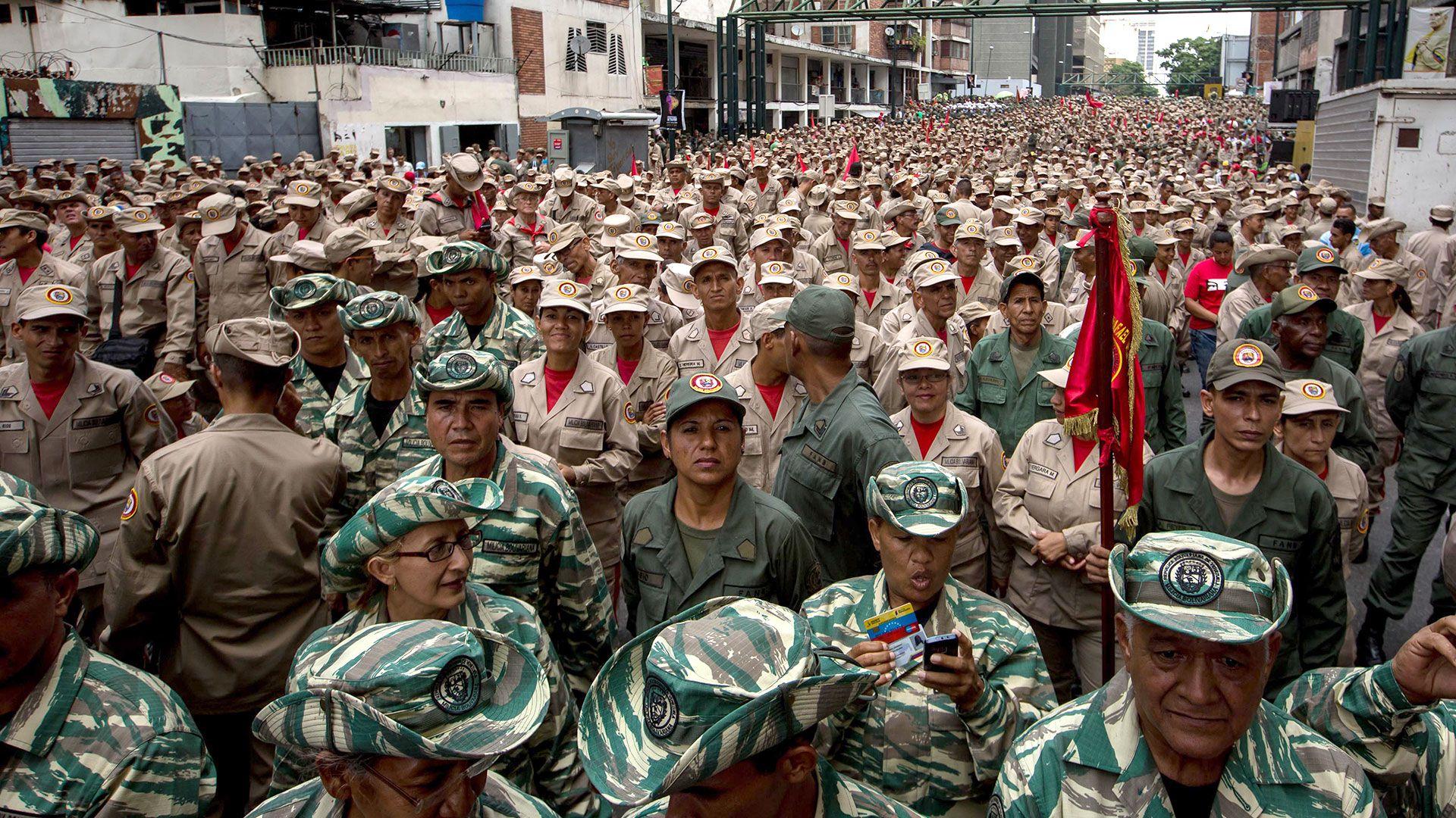 San Miguel: Quieren modificar Constitución para incorporar a milicianos a las FANB