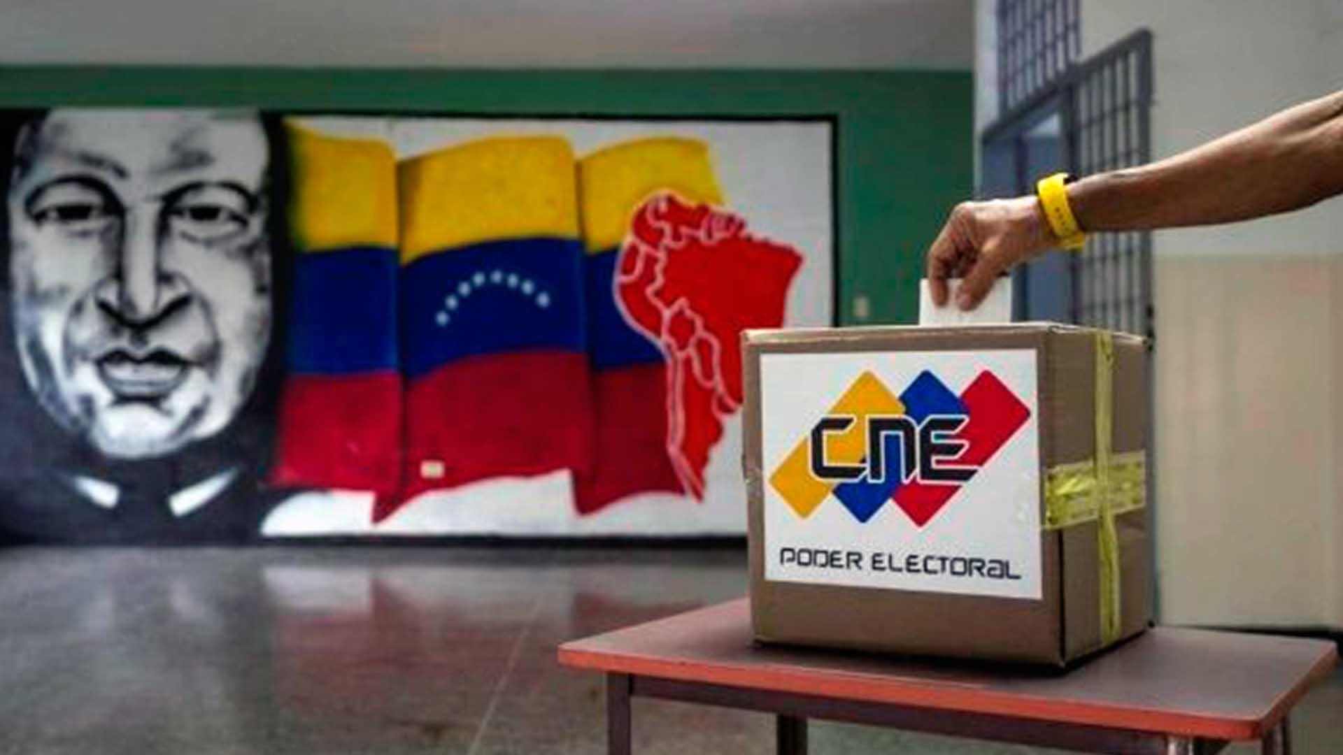 CLAVES | DFRLab: Facebook elimina 174 cuentas por influir en temas políticos dentro de Latinoamérica