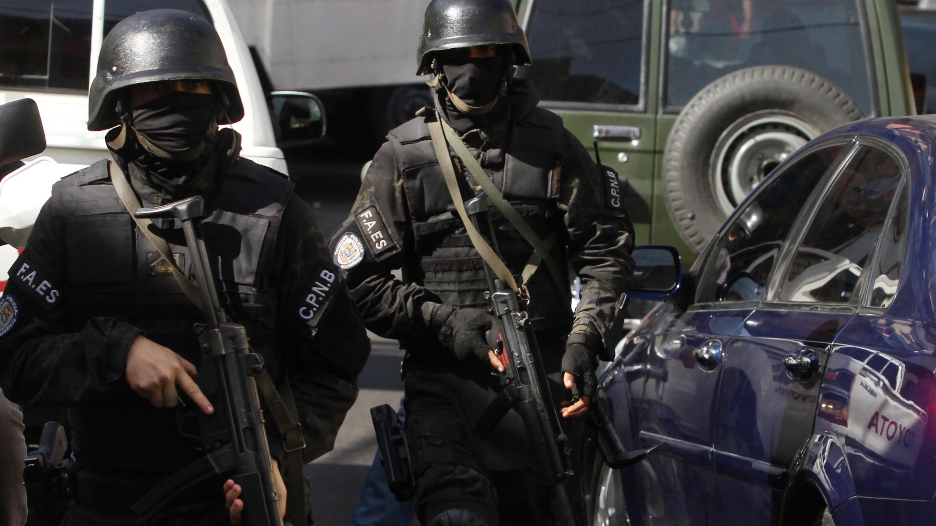 6 personas fueron detenidas por las FAES en la urbanización Sucre el #20May