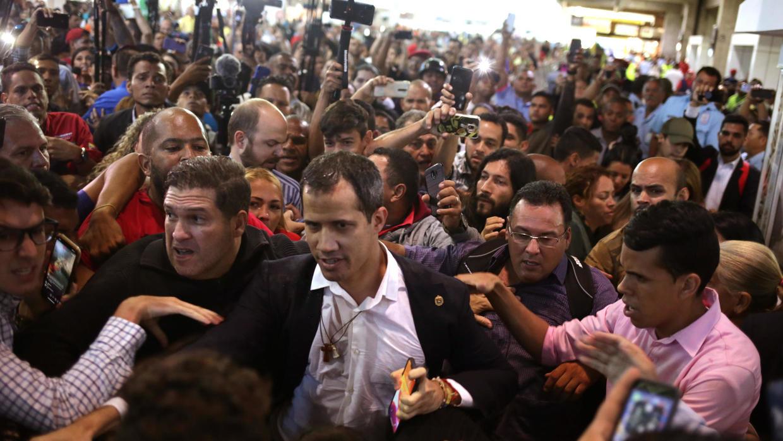El pobre regreso de Guaidó, por Elías Pino Iturrieta