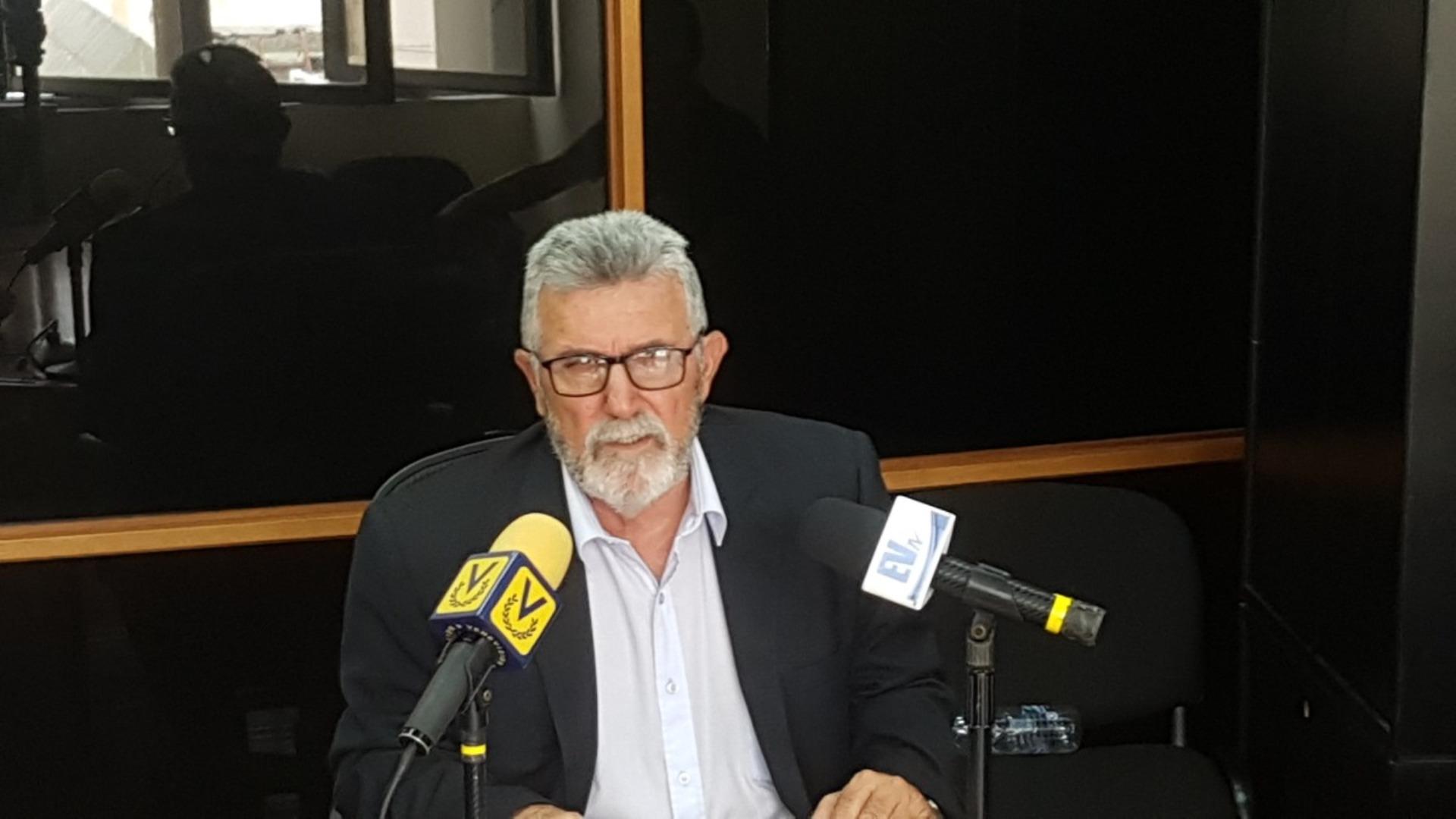 Luis Lippa denuncia que el Sebin rodeó su residencia en Apure