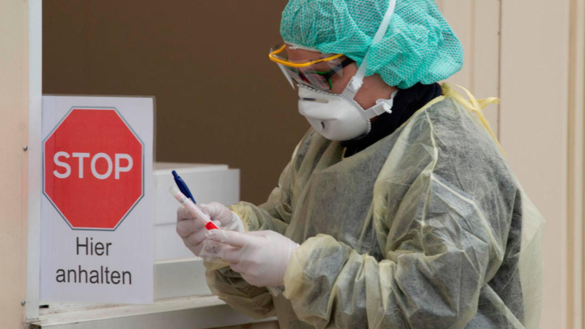 China prevé que epidemia de coronavirus durará hasta junio