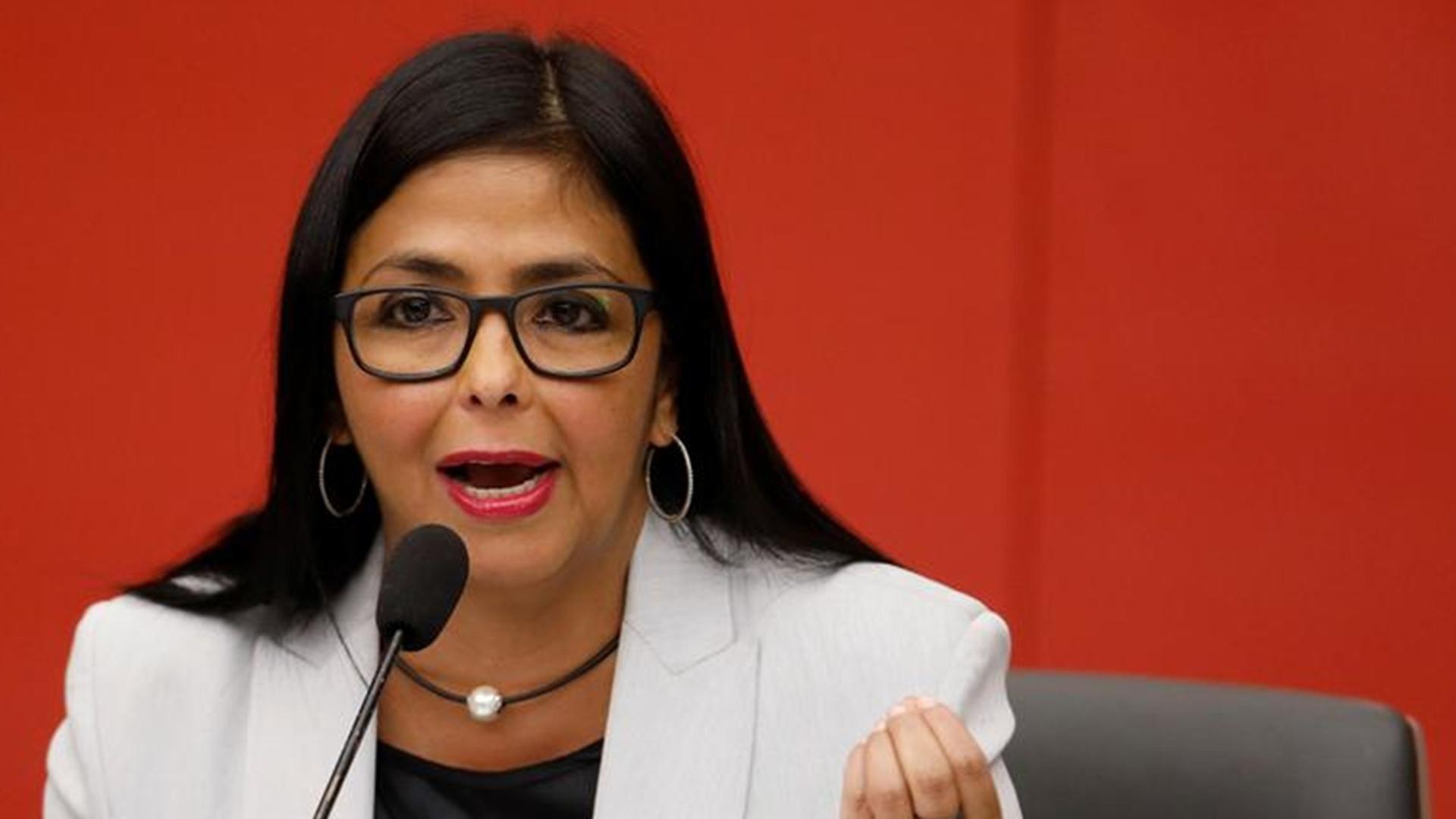 Delcy Rodríguez evalúa propuestas para reactivar la actividad económica
