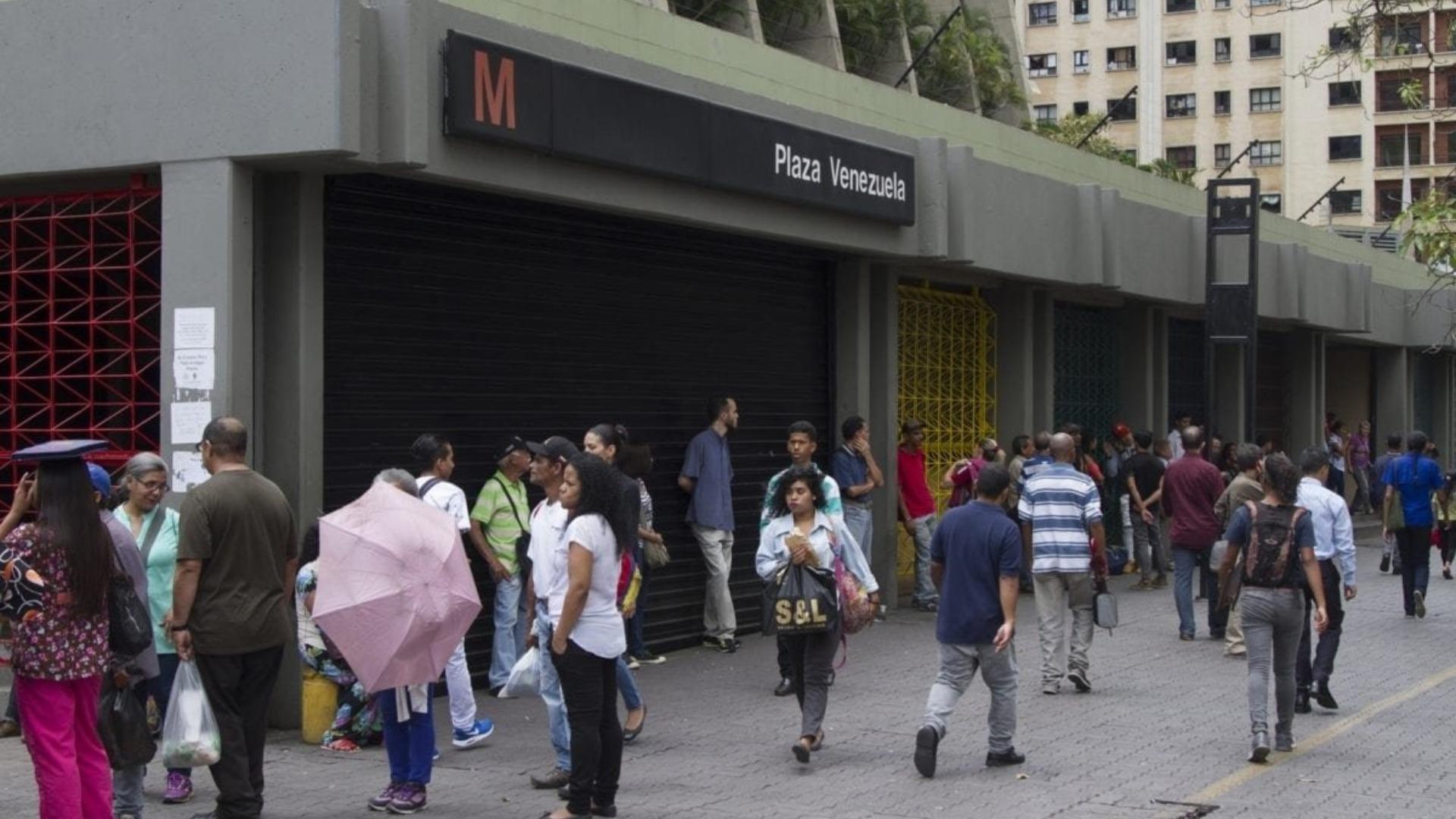 Falla afecta nuevamente dos estaciones del Metro de Caracas