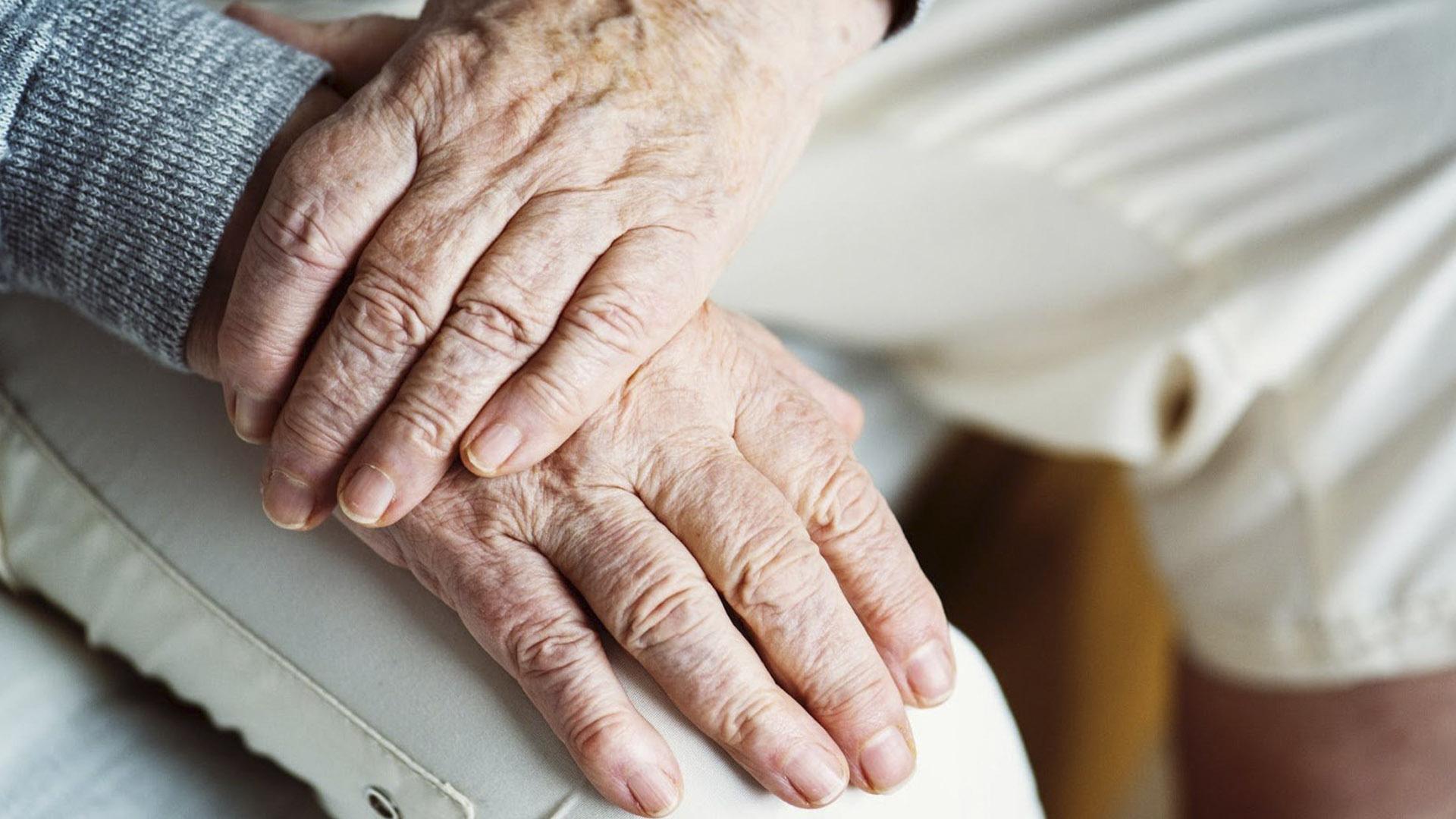 Adultos mayores: Entre el riesgo de contagio y la necesidad de abastecerse