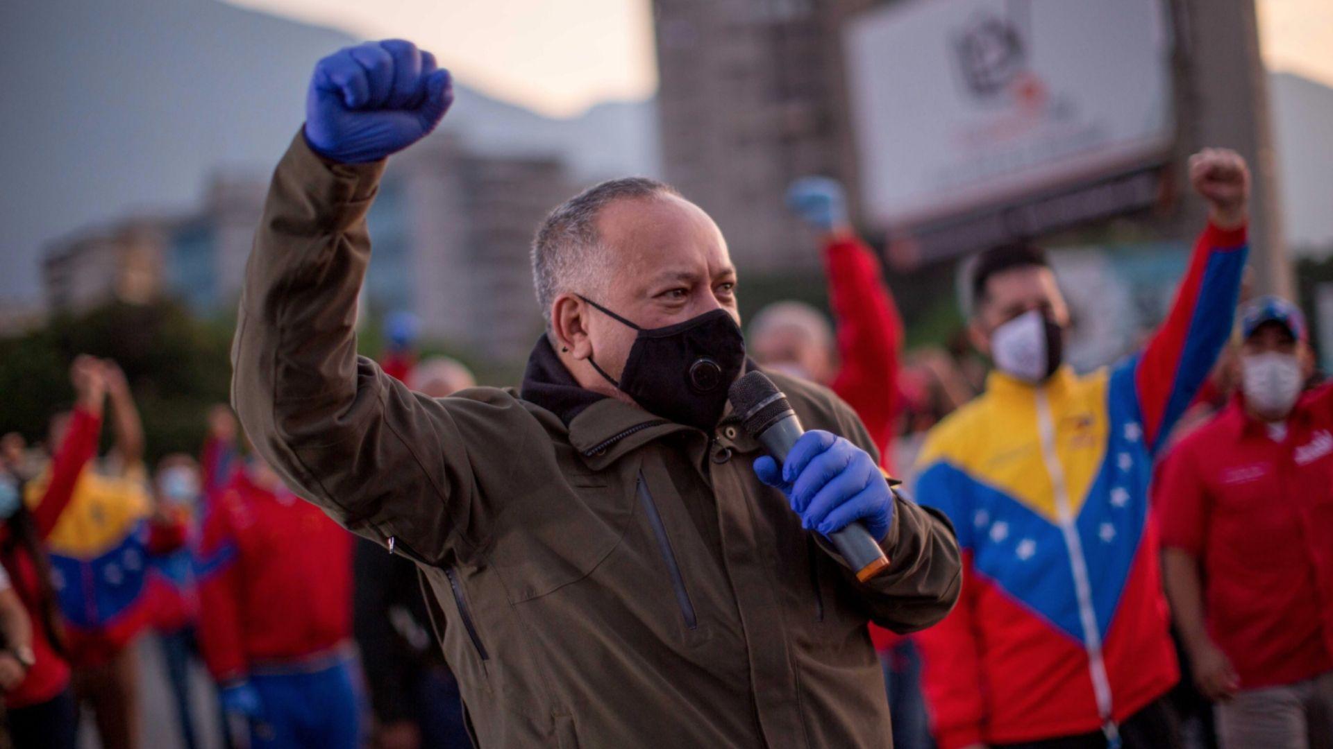 Representantes de Maduro inscribieron ante el CNE las candidaturas para el #6D