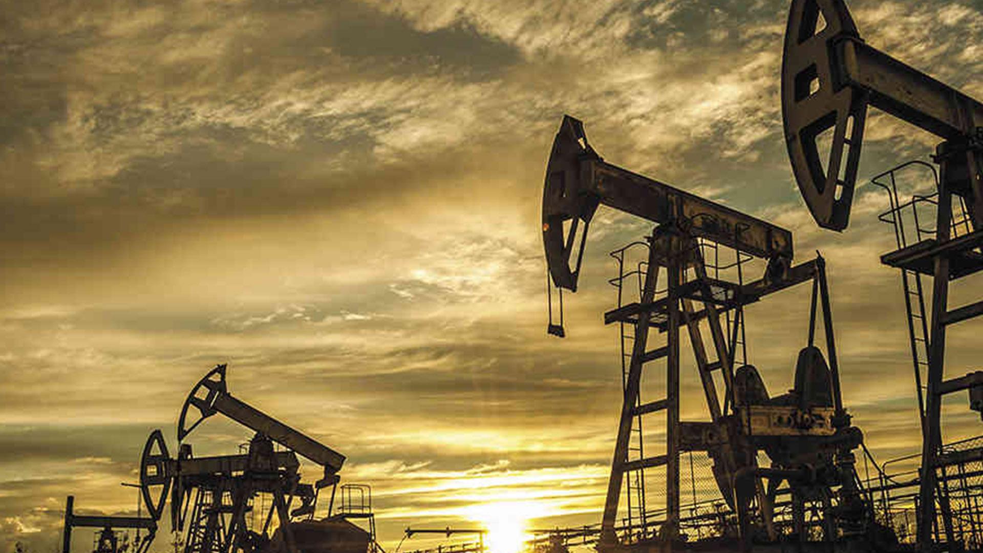 Guaidó: Ante caída del petróleo, haremos lo posible por salvar a Venezuela