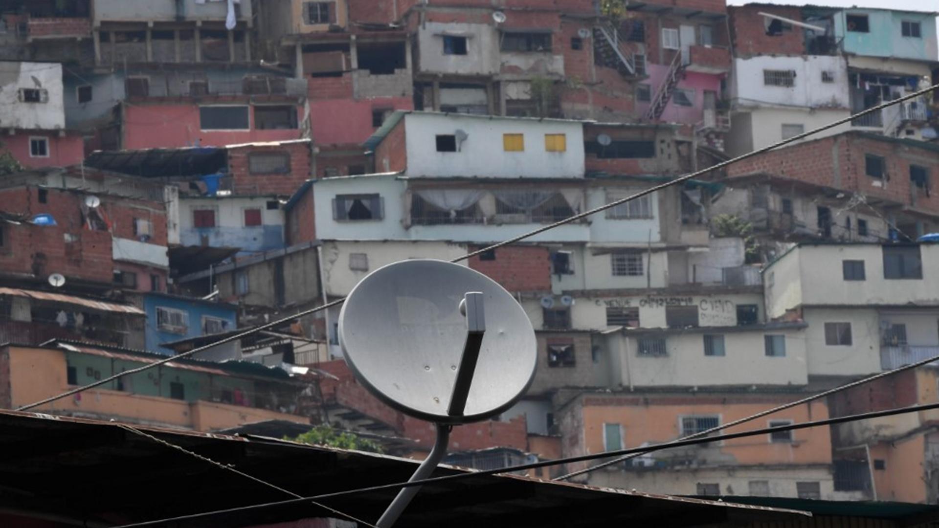 Espacio Público: Más de 200 medios de comunicación cerraron en el país por órdenes de Conatel