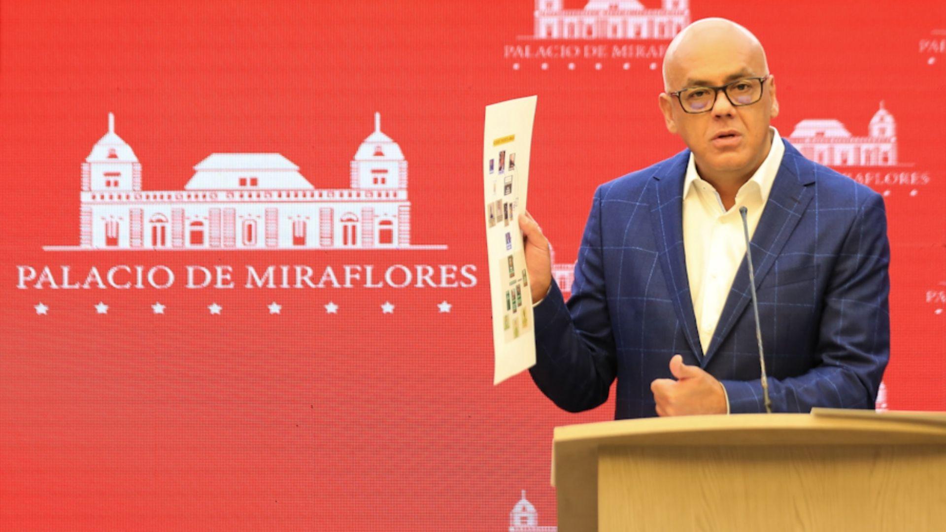 Jorge Rodríguez reveló una reunión entre líderes opositores con James Story en Bogotá