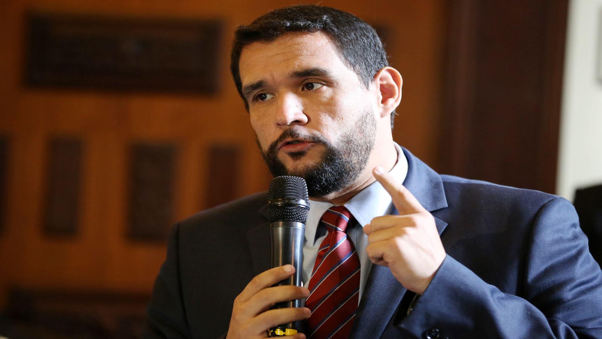 Matheus: La aspiración de Maduro es destruir los partidos que lo adversan