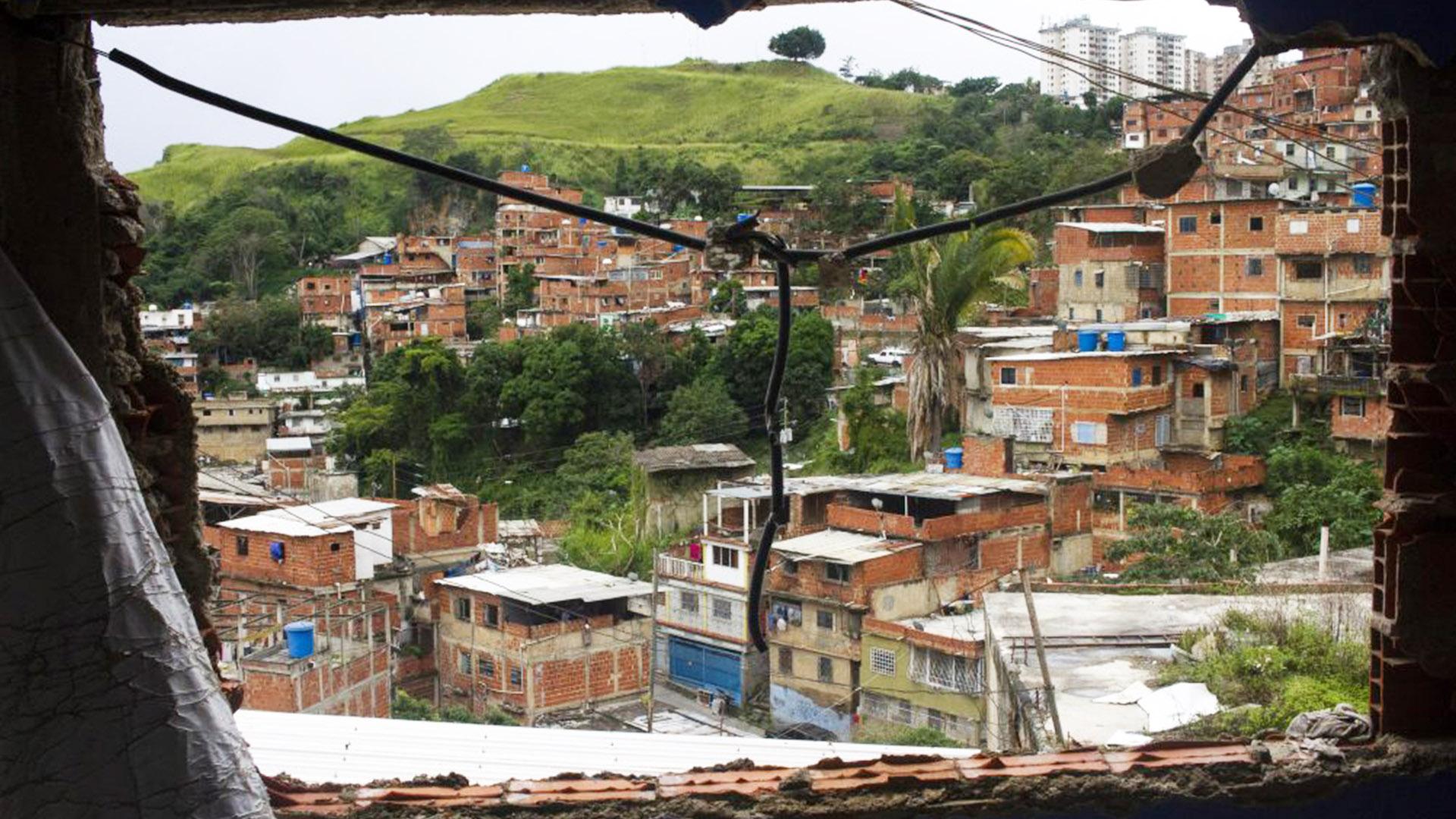 #MonitorDeVíctimas | Cicpc levantó cinco cadáveres en Petare tras enfrentamientos