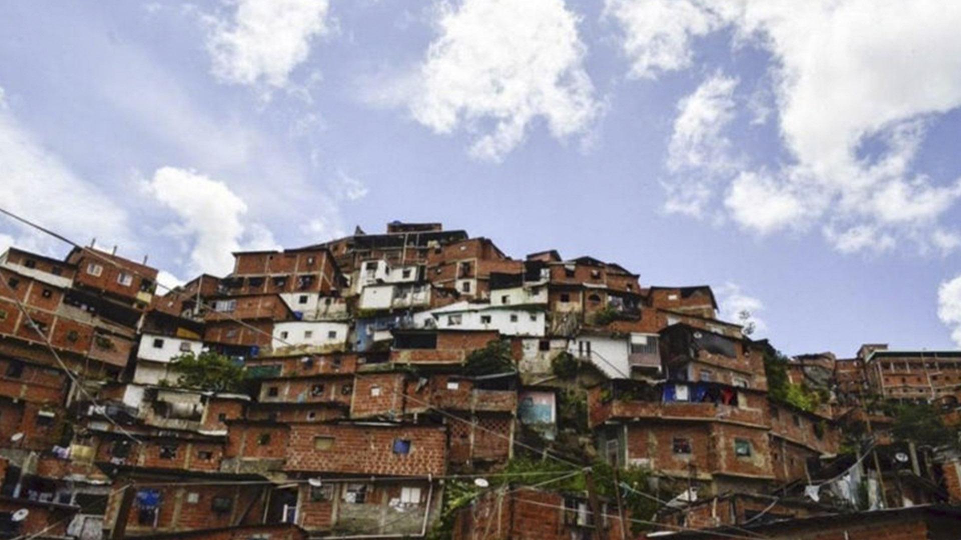 Miguel Pizarro responsabiliza a Maduro por el «pranato» que hay en Petare