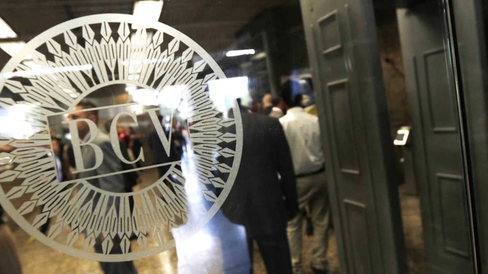 Bancos abrirán con fechas y horarios limitados durante período de flexibilización