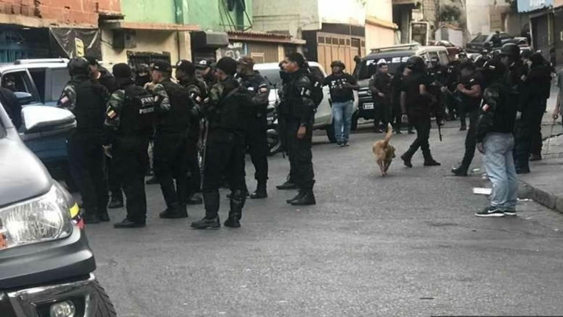 #MonitorDeVíctimas   Amplio operativo policial deja al menos 8 muertos en un barrio de Petare