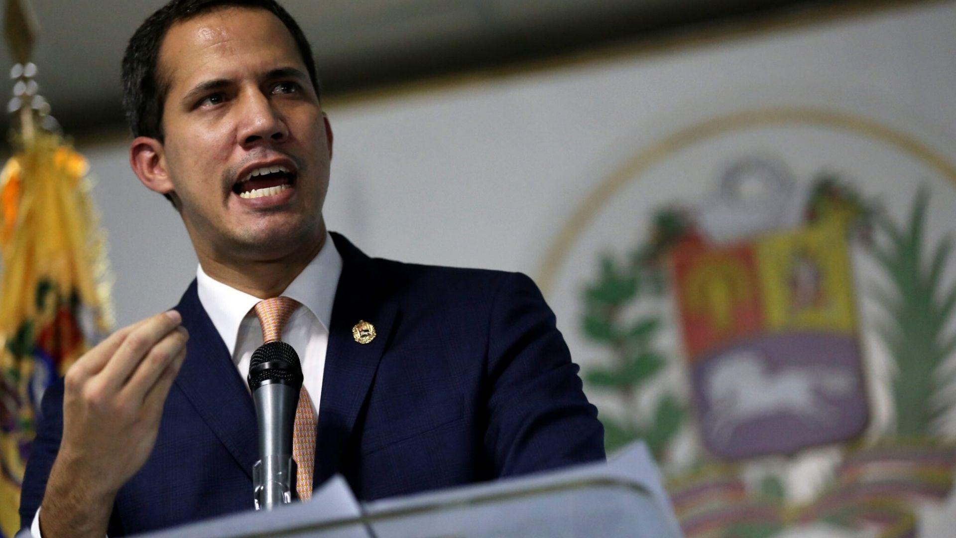 """Guaidó respalda a partidos de oposición que no irán a una """"farsa"""" electoral"""