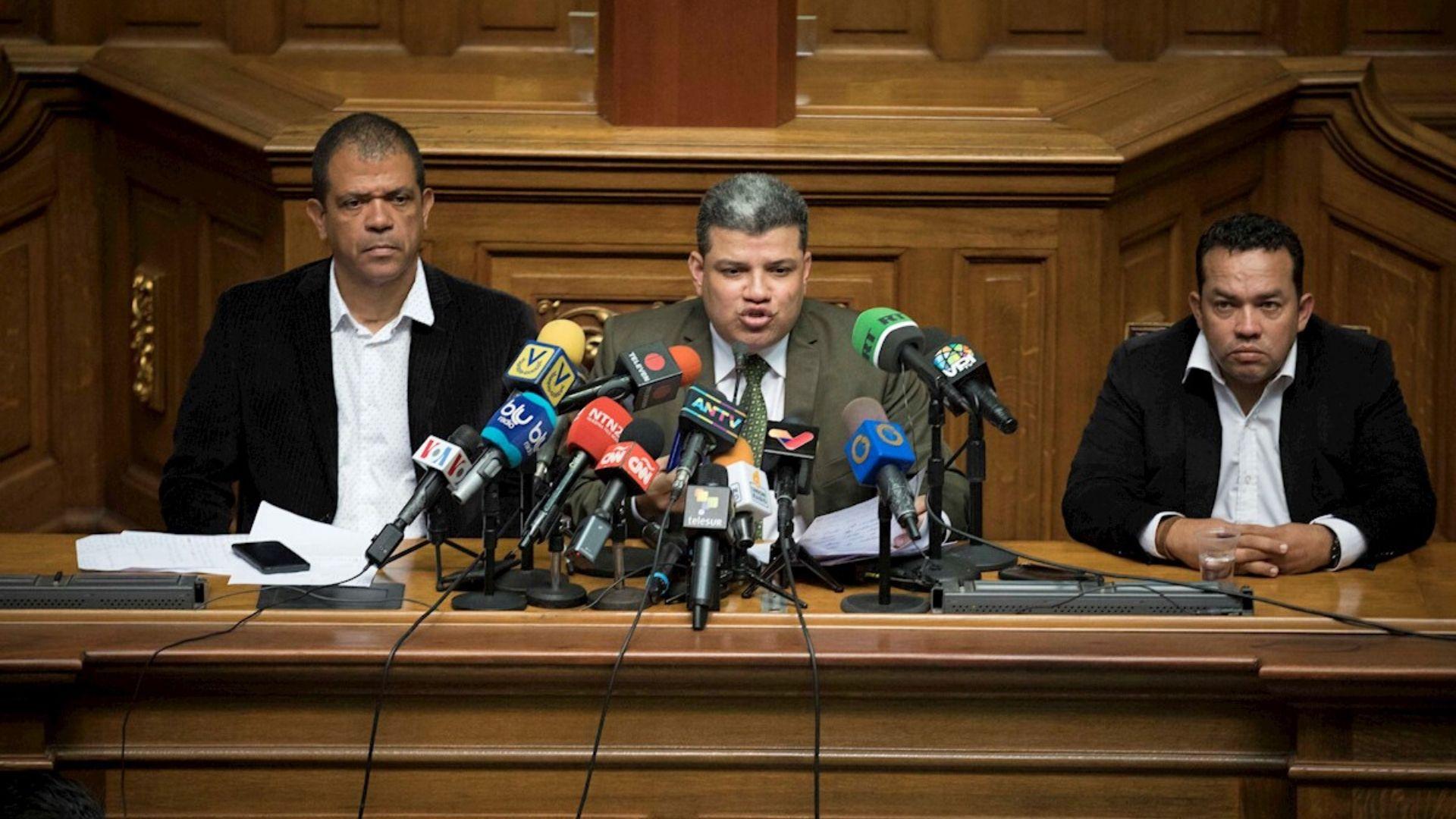 Suiza sancionó a Luis Parra, 2 diputados y 8 funcionarios de Maduro