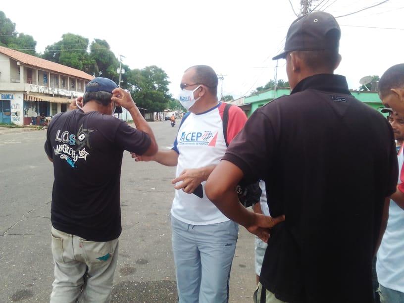 Concejal Lander Ortega entrega tapabocas ante aumento de casos de COVID-19 en Anzoátegui