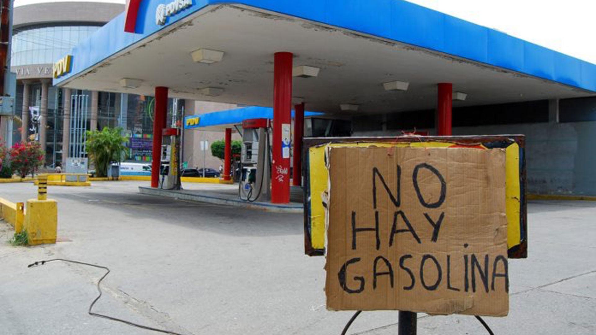 Bloomberg: Racionamiento de gasolina hunde a Venezuela en la crisis  económica - Runrun