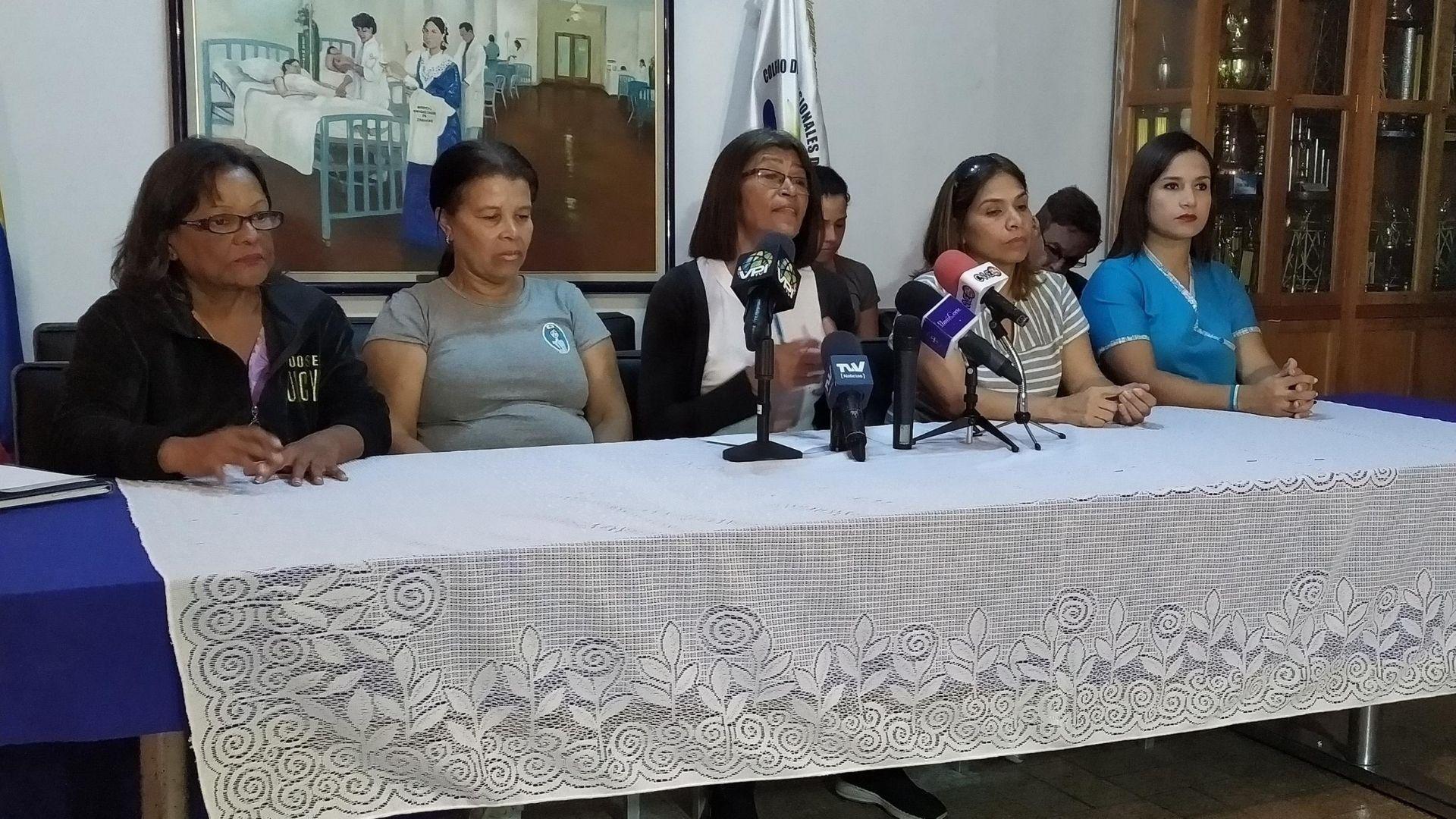 """Gremio de enfermeras denuncia la """"peor etapa"""" para el sector salud tras la llegada de la COVID-19"""