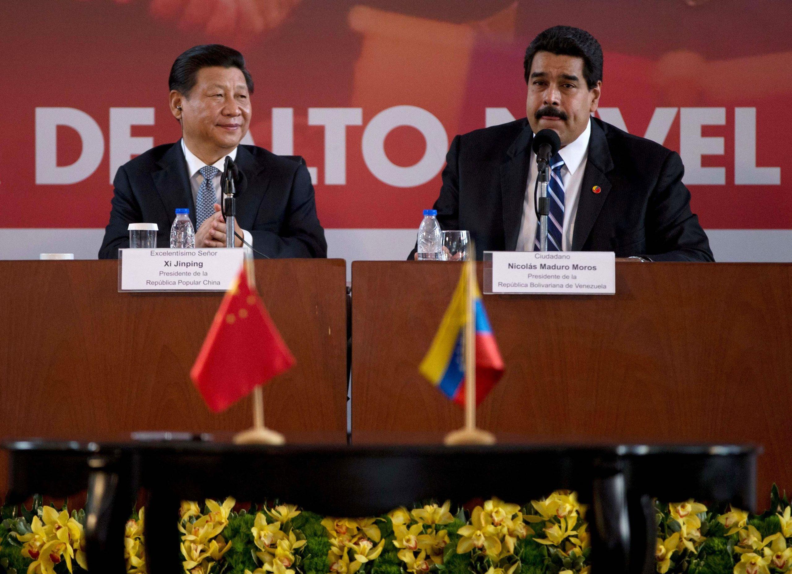 Maduro propone a Venezuela para probar vacunas rusa y china contra COVID-19
