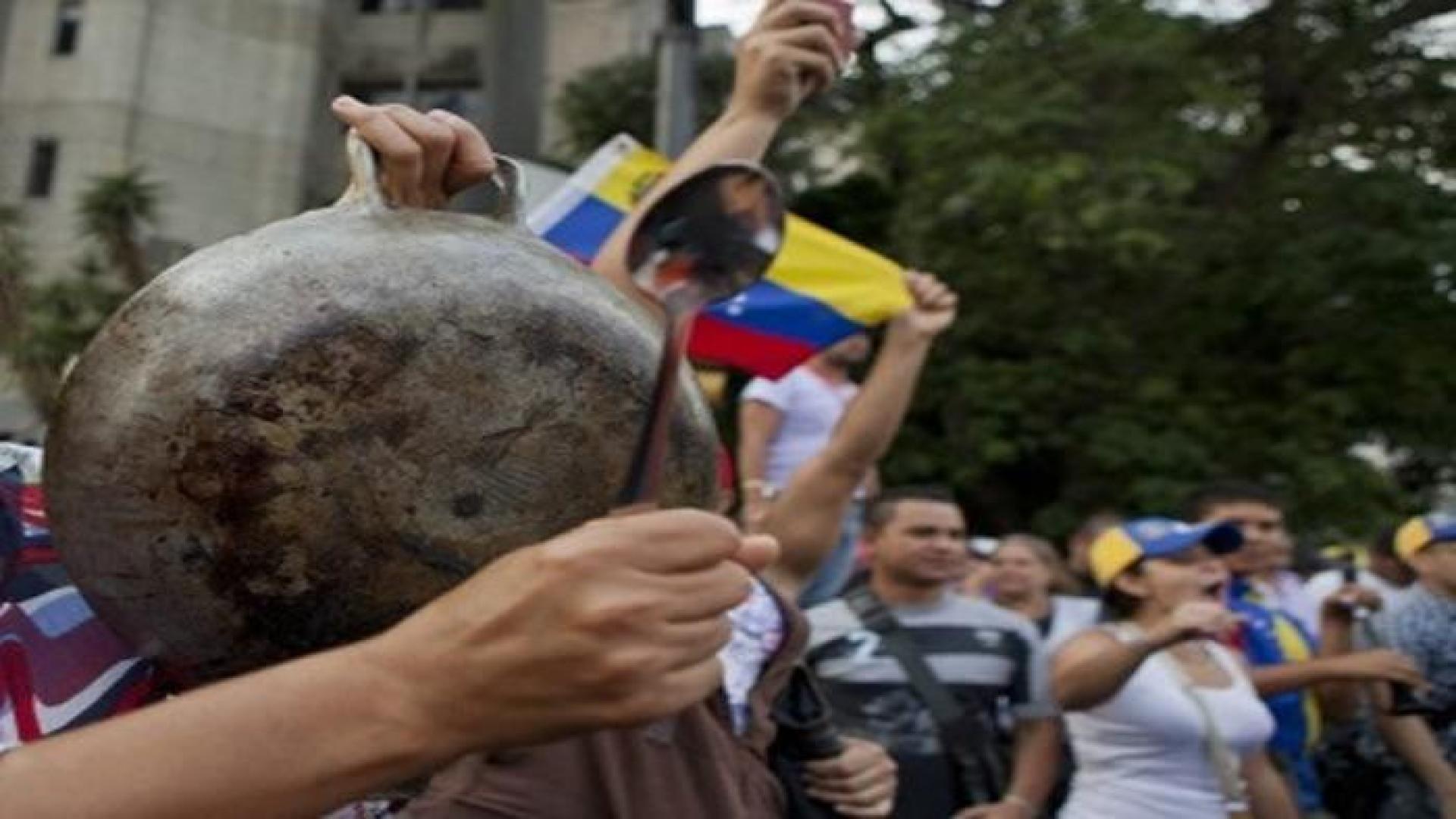 Reportan cacerolazo en Caracas y en el interior del país este #28Sep