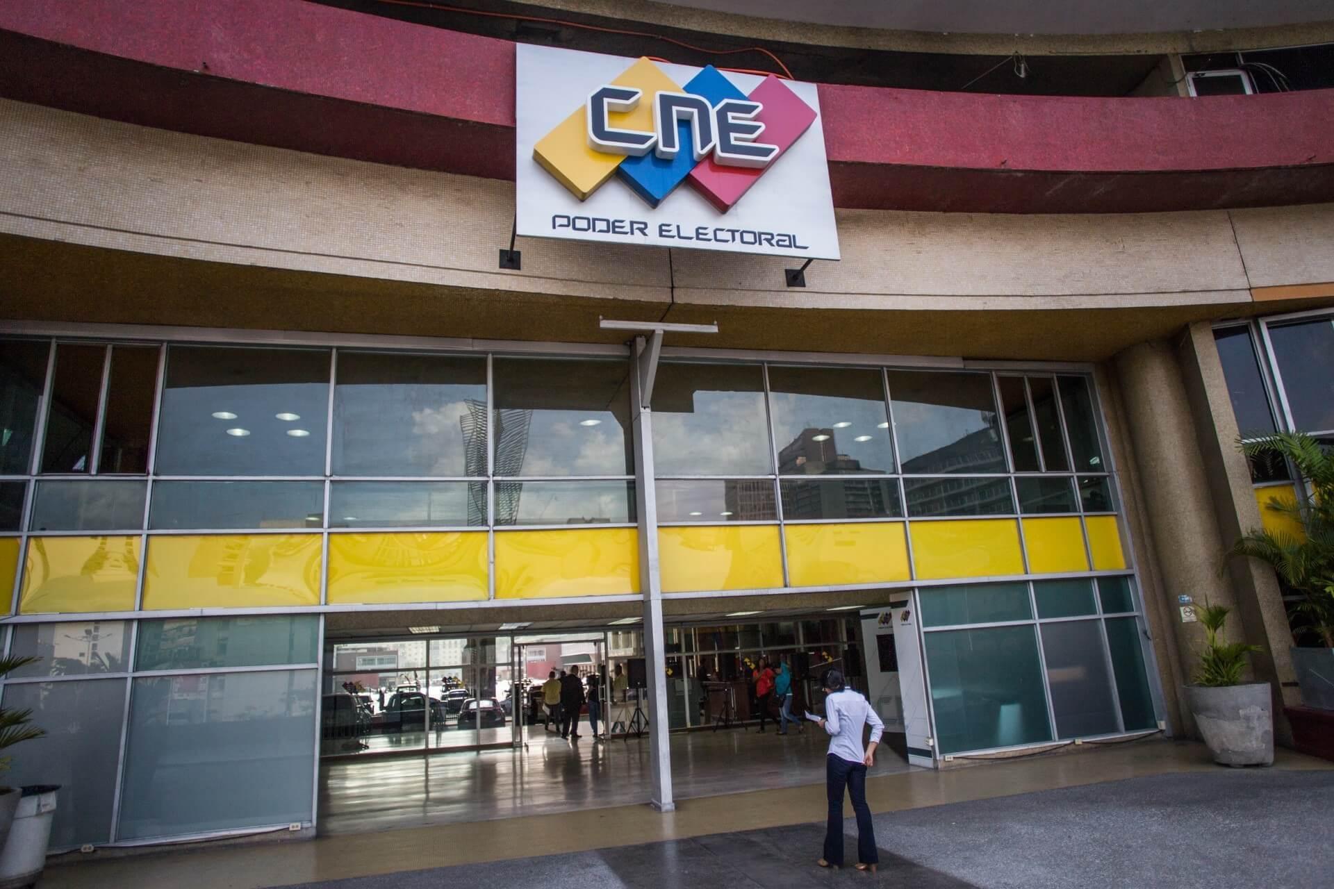 Solicitan a CNE abrir procedimiento contra el PSUV por violar propaganda electoral